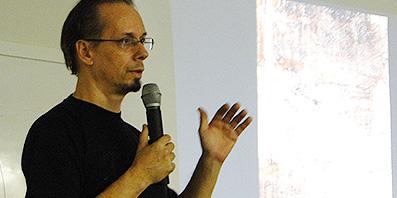 """Oficina """"Composição Tipográfica"""" com Cláudio Rocha no LTA"""